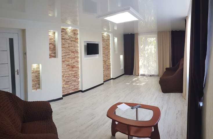 With 2 rooms in the center, 50m2