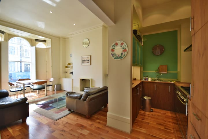 Excellent location  Bright and airy apartment - London - Apartment