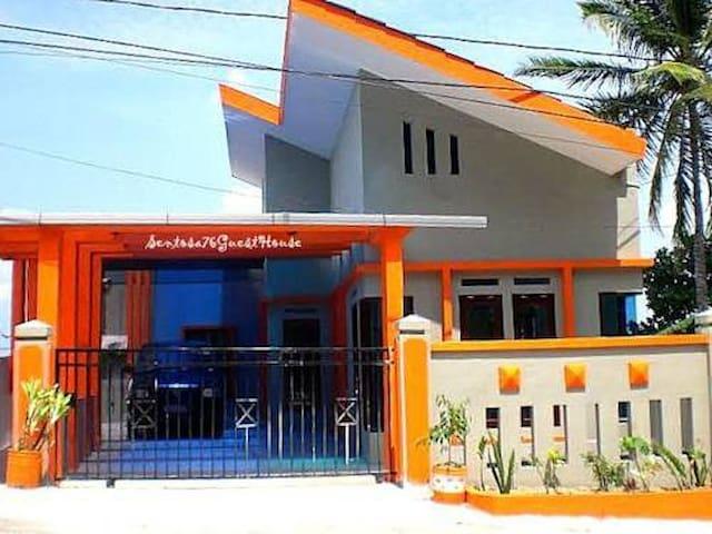 Sentosa76 Guesthouse - Balikpapan - Makuusali