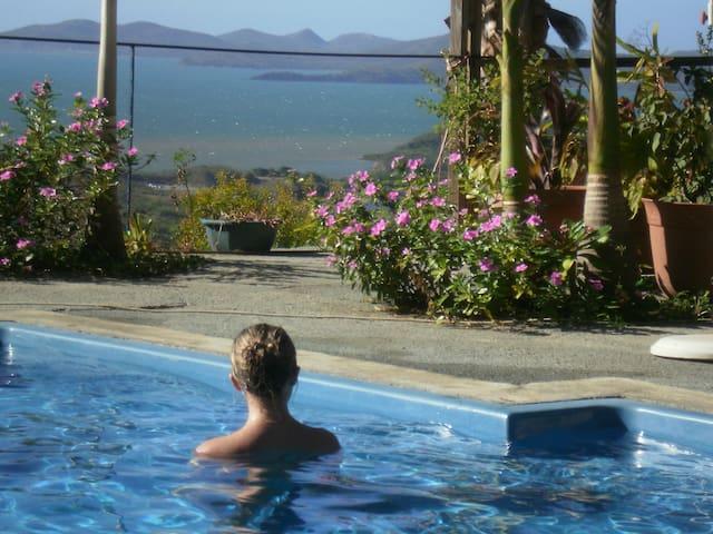 Studio, Jardin + piscine face mer - Dumbéa - ที่พักพร้อมอาหารเช้า