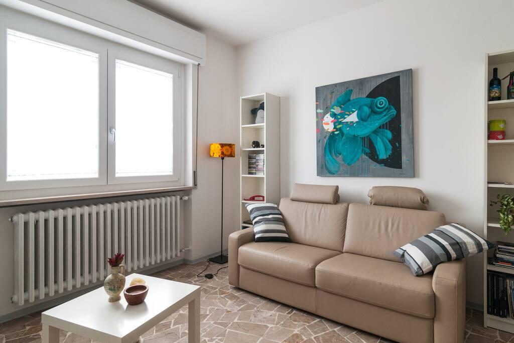 House gallery soggiorni con stile appartamenti in for Appartamenti in affitto a novara arredati