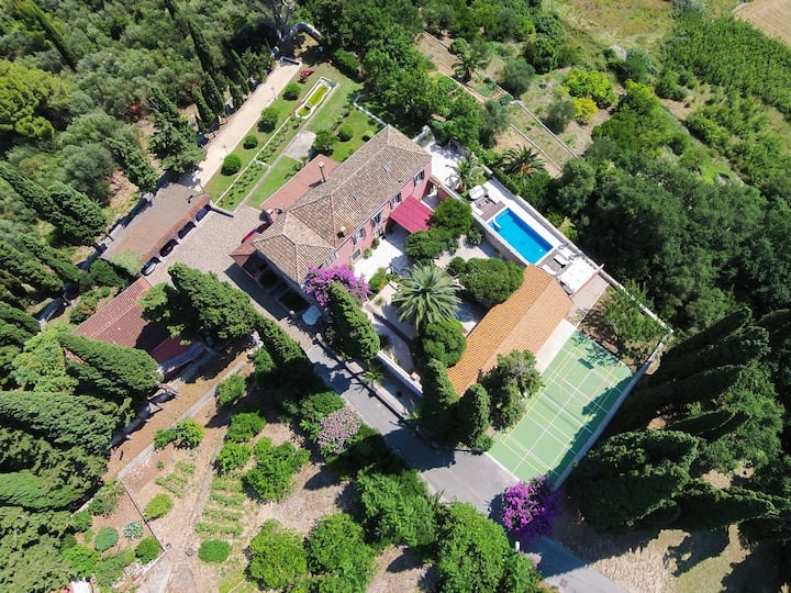 Luxury property on 20 000m2! Guaranteed privacy!!!