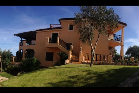 Apartment with nice view in a Villa with internet - PORTO CERVO