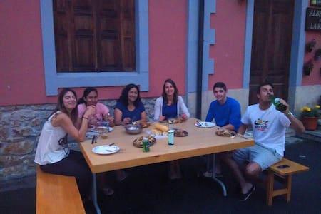Covandonga Lodge Cangas de Onis - Inap sarapan