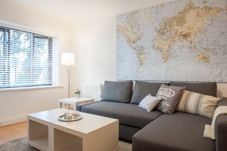 Best Location in Dublin. Large 1 Bed Sleeps 4!