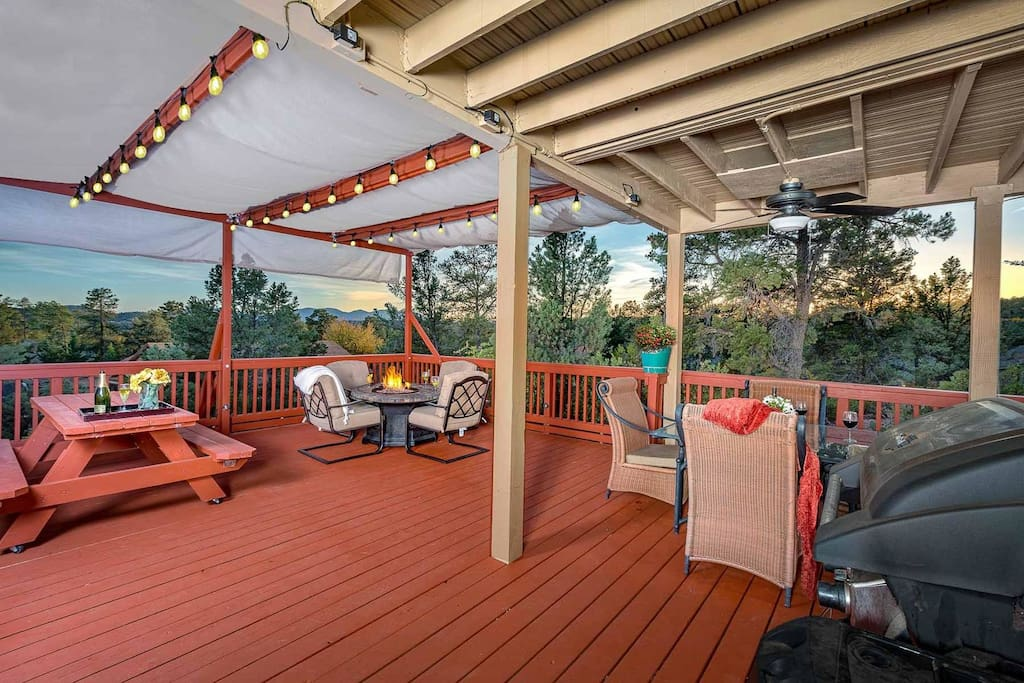Host a dinner party on this large deck built for entertaining!