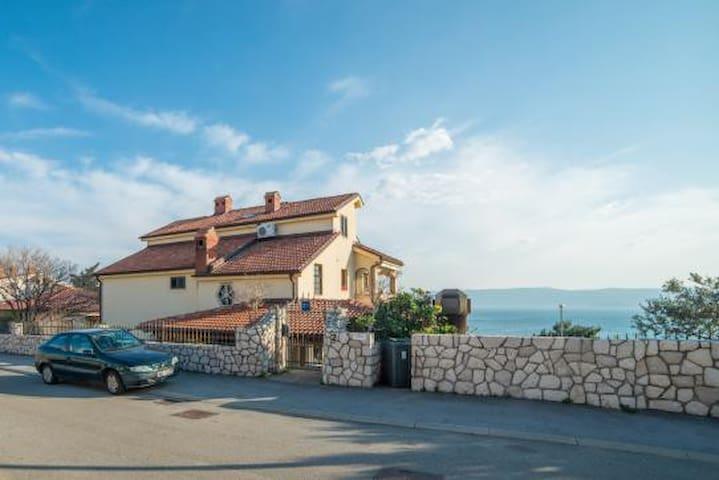 Vila Stanić with pool (app for 4) - Novi Vinodolski - Huoneisto