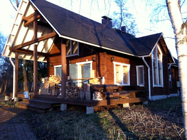 Hand Crafted LOG Chalet and Sauna