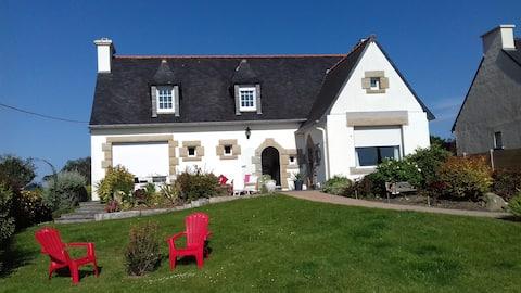 Belle maison néo-Bretonne