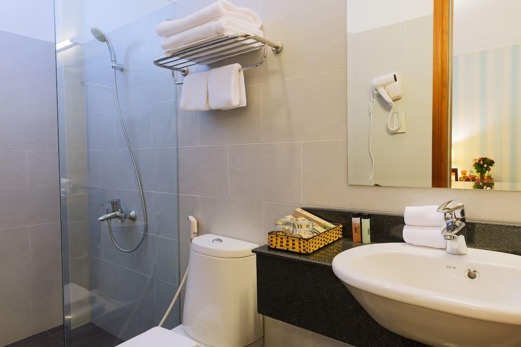 Boutique Studio's Bathroom