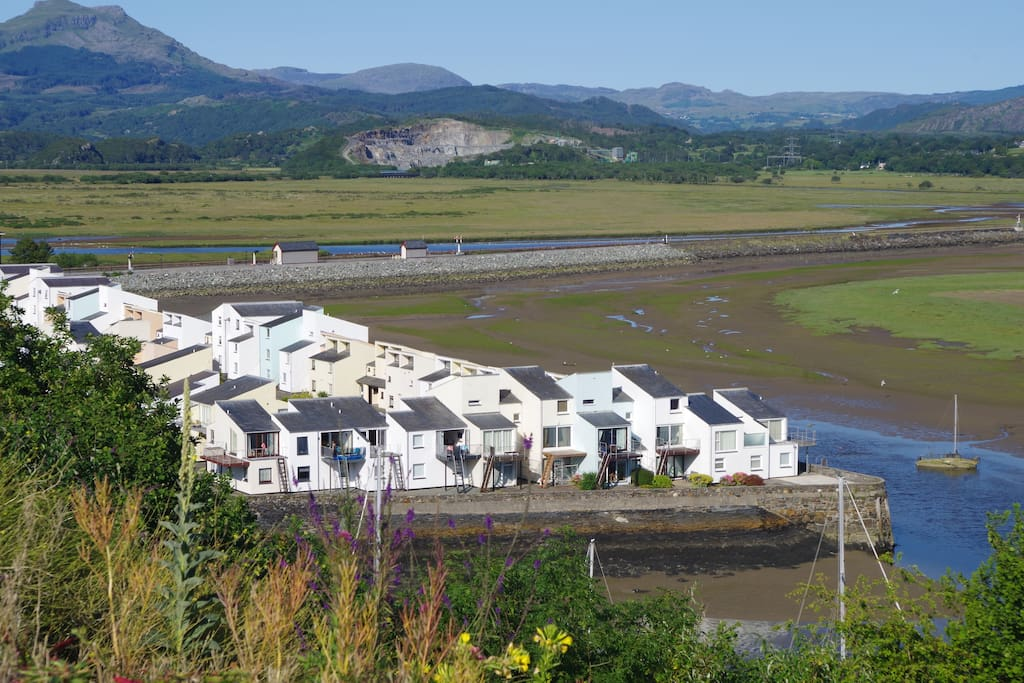 South Snowdon Wharf and the Cob