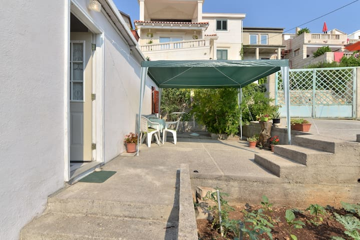 Apartment near the beach-Sumartin - sumartin - Appartement