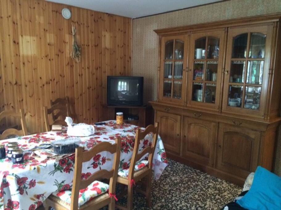Casa immersa nella natura houses for rent in la ca for Piani di casa con guest house annessa