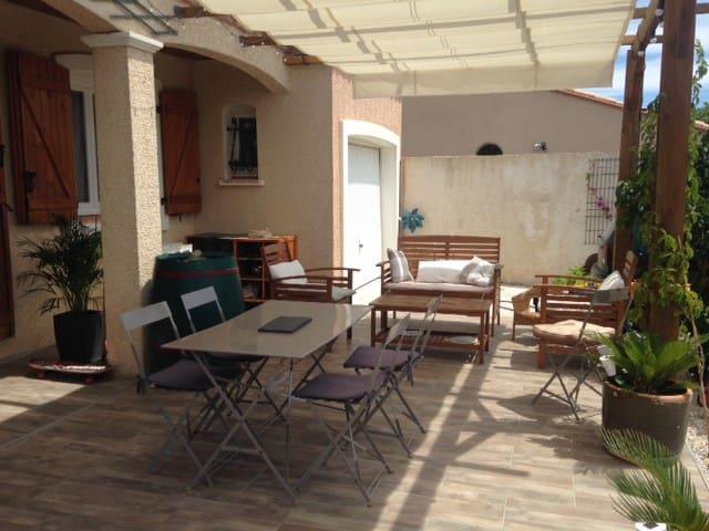 Jolie villa à 5min de la mer - La Palme - 別荘