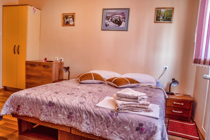Lovely Studio apartment near Plitvice Lakes - Slunj - Appartement