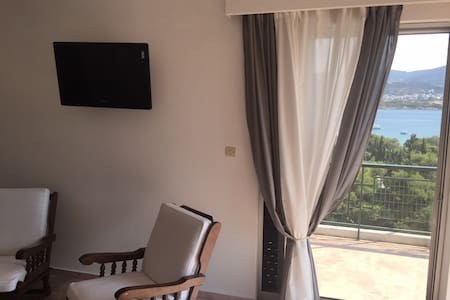 cozy seaview flat near Airport!!