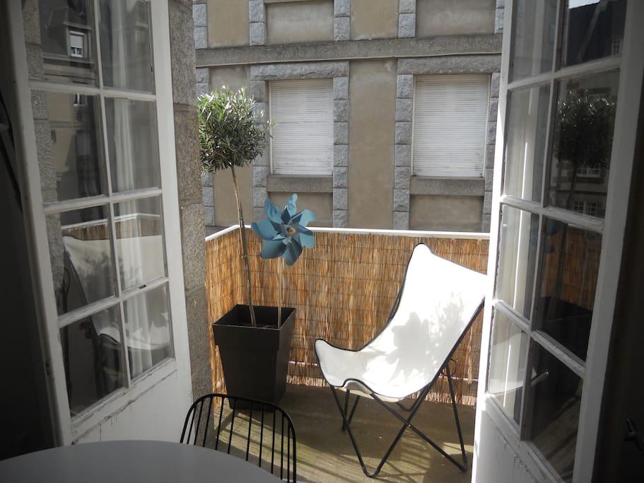 Balcon ensoleillé!