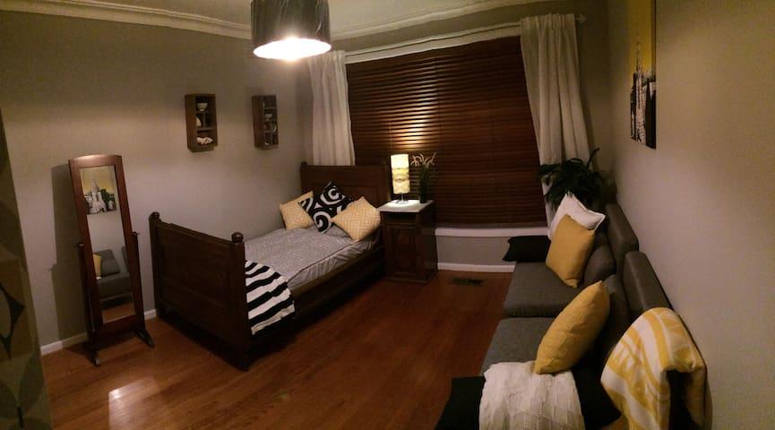 Lovely Bedroom in Altona - Seaholme - House