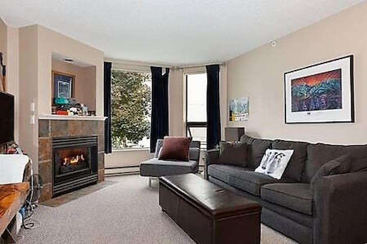 Freshly Updated & Clean Whistler Blackcomb Condo