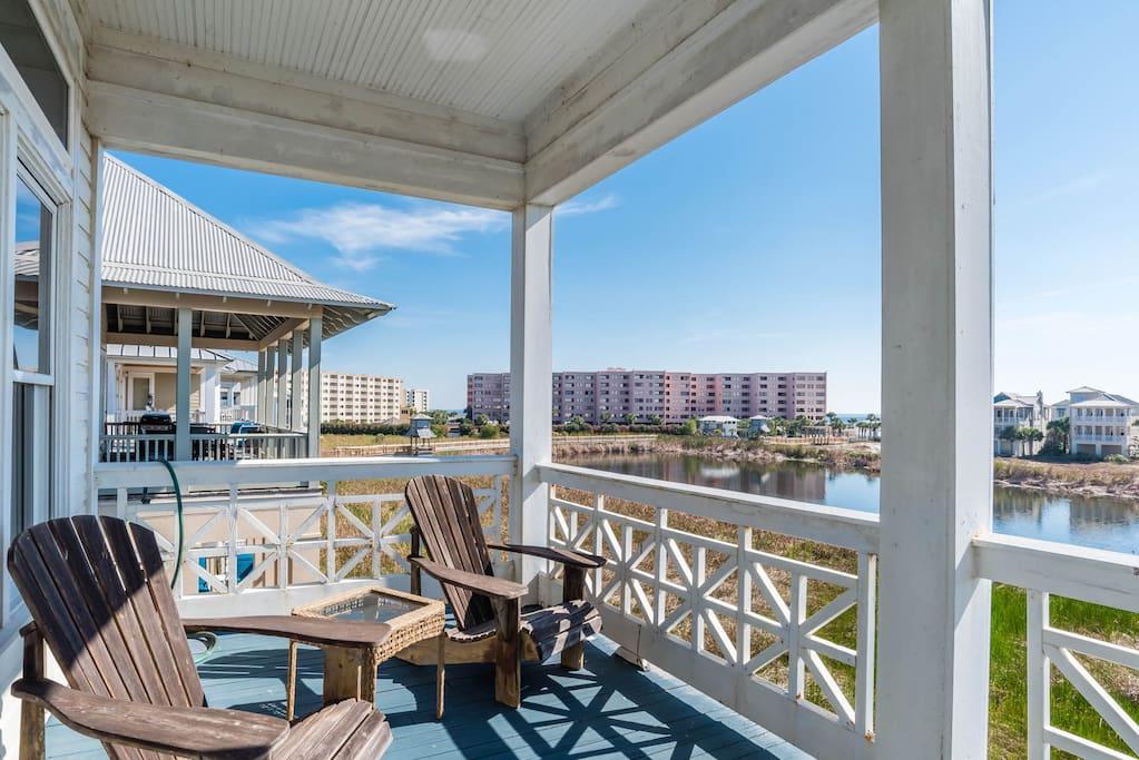 Chair,Furniture,Balcony,Deck,Porch