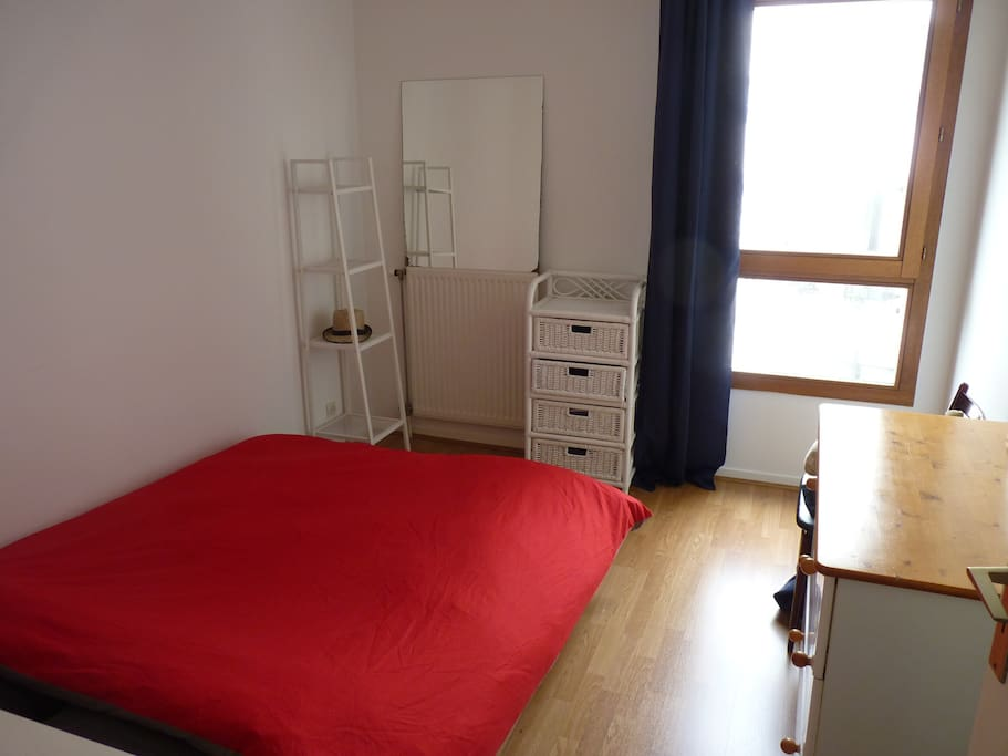 chambre calme au c ur de lille flats for rent in lille nord pas de calais france. Black Bedroom Furniture Sets. Home Design Ideas