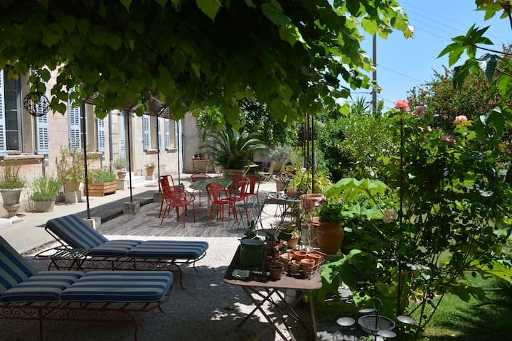 Les Passiflores/Centre ville Grasse - Grasse - Bed & Breakfast
