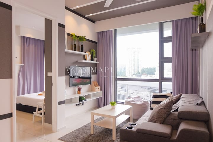 1BR Premier Suite Facing KLCC & KL Tower Near LRT