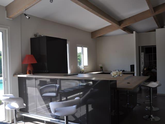 Bastide Provence Gîte Climatisé - Monteux - House