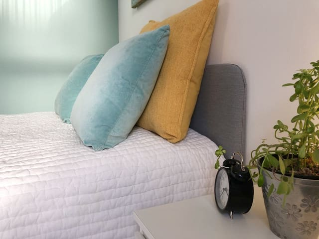 Greenway Stays - Cosy Double Room in Falmouth