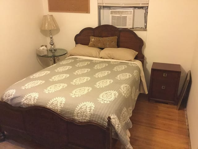 Private Comfy Room - Coraopolis - Casa