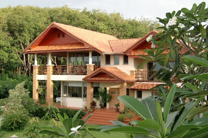 Excl and spacious Sea view Villa - Koh Lanta - Casa
