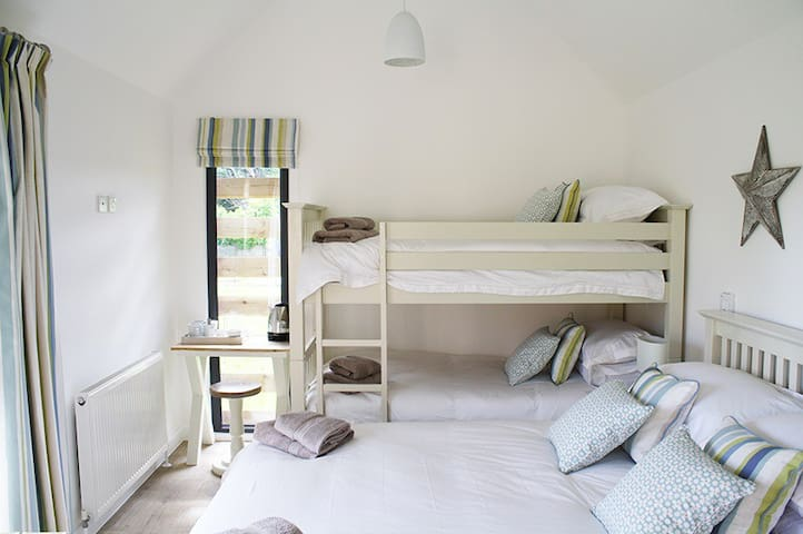 A family cabin in the beautiful Lincolnshire Wolds - Lincolnshire