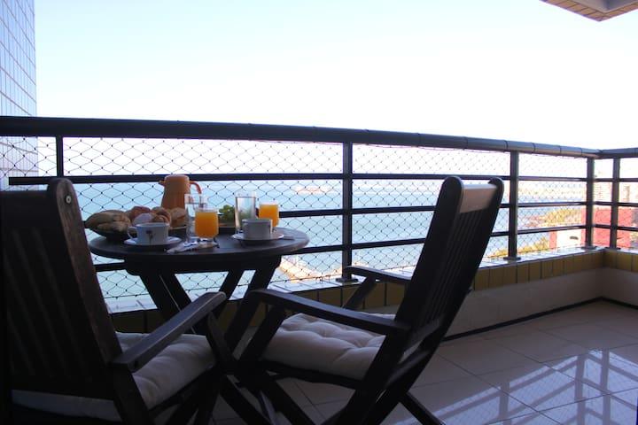 Lindo apartamento na Beira Mar com vista mar