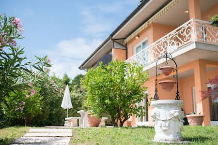 House with private poll and beautiful view, 8 Px - Toscolano Maderno - Villa