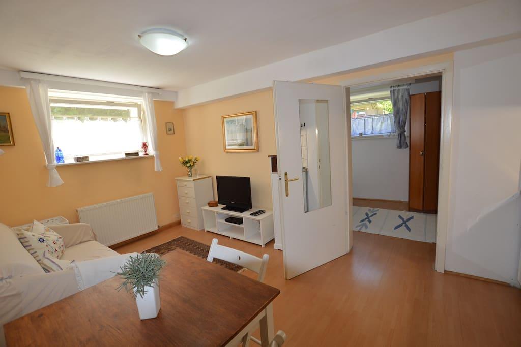 Wohnzimmer/living room