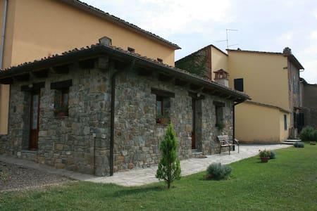 Fattoria Di Gratena - Gratena, sleeps 4 guests - Arezzo