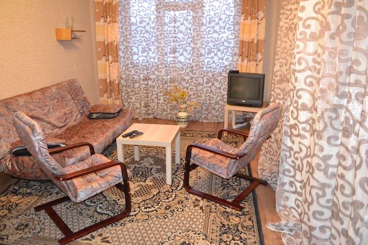 Гостеприимная 2-комнатная квартира - Kirovsk - Wohnung