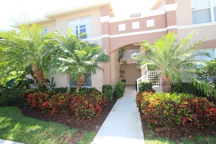 NEW LISTING: Condo Gwen- Parker Lks-15min to beach