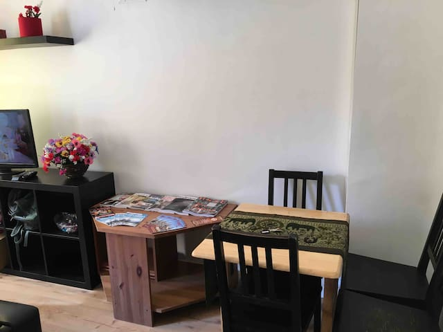 Cozy flat ideal for 4 in E13 London 5 min tube