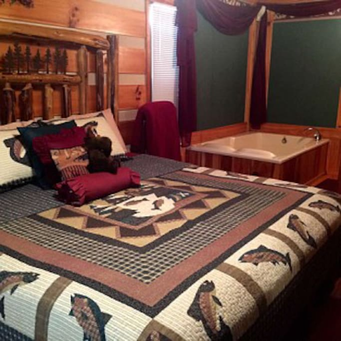 Master with handcrafted log bed
