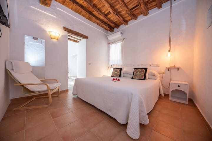 Superior double room, Mitjaneta