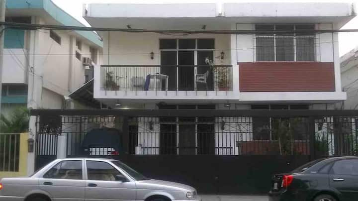 Private Room w/Bath/Kchnt-Nueva Kennedy, Guayaquil