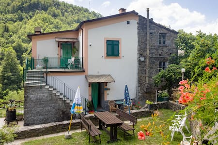 double room - surrounded by greener - Borzonasca