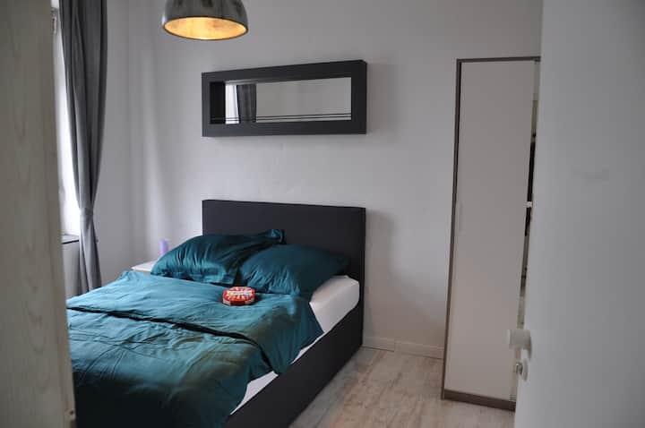 Zentrale kleine Wohnung im Altbau