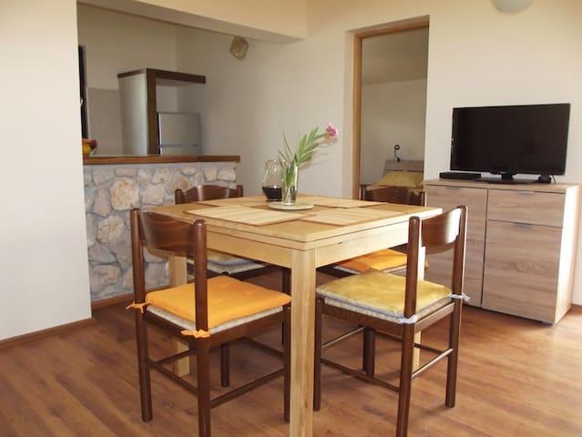 Apartments Juliška Pirovac-Apt 2 - Pirovac - Appartement