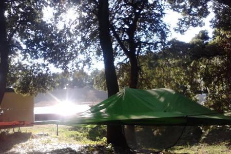 Hanging tents... - Fosdinovo - Telt