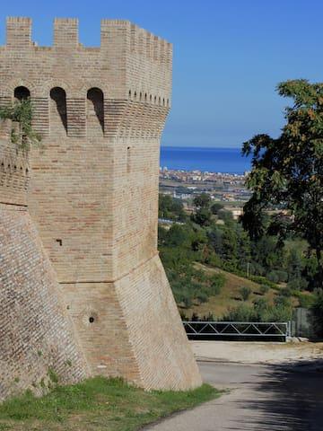 Camera con vista sulle colline - Scapezzano - Apartamento
