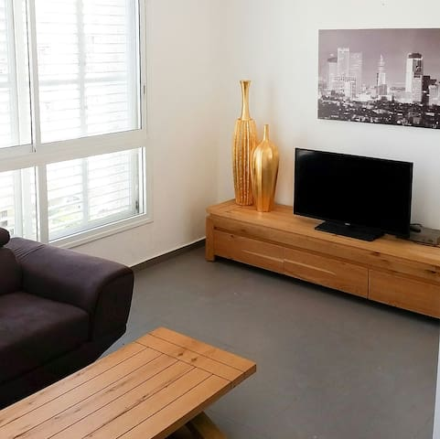 Charming apartment close to beach!! - Bat Yam - Apartment