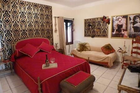 Dormitorio de matrimonio en masia - Maçanet de la Selva