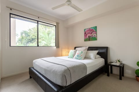 ⭐Stylish Queen Room & Private Bathroom-Close CBD❤️